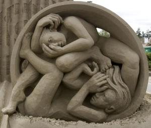 """Human Balance"" Sand Sculpture by Helena Banger and Jooheng Tan"
