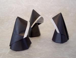 Nun Origami by Akira Yoshizawa